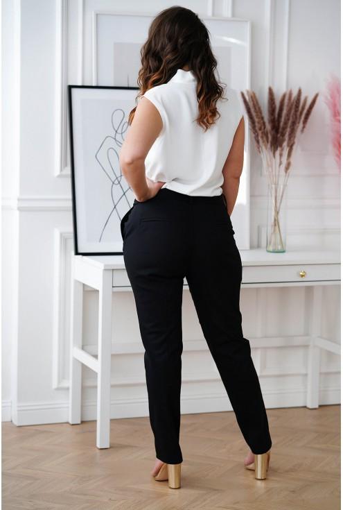 tył białej szyfonowej bluzki XXL