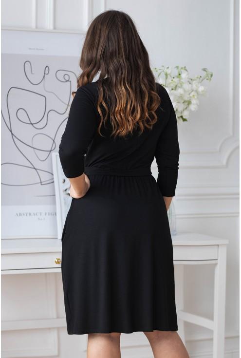 tył czarnej sukienki dzianinowej xxl