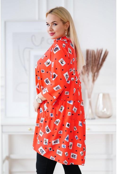 bok pomarańczowej koszuli plus size