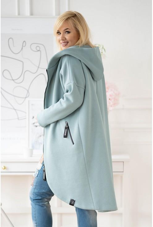 tył seledynowego płaszcza plus size