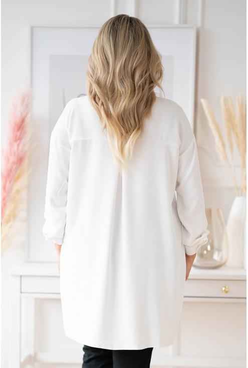 Biała koszula z dłuższym tyłem