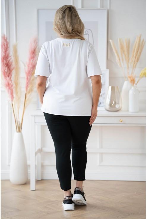 biała bluzka w dużych rozmiarach