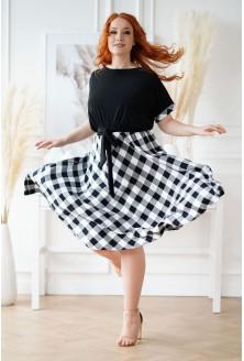 Rozkloszowana sukienka XXL czarna