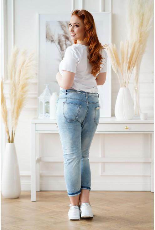 Jasne jeansy plus size z paskiem