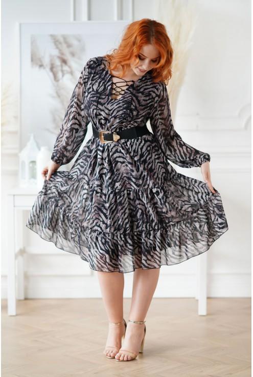 czarna sukienka z wiązaniem przy dekolcie