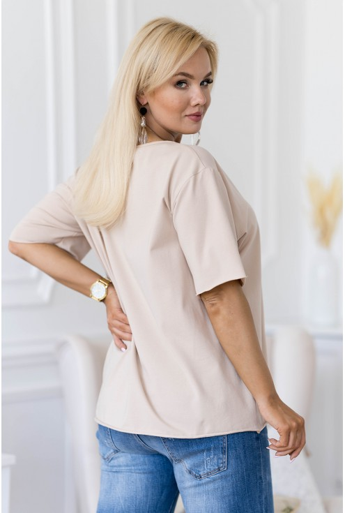 Beżowa bluzka z dekoltem V