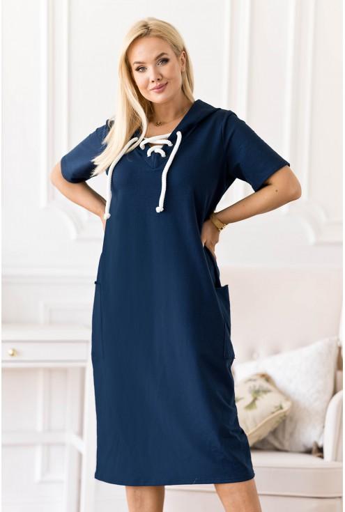 Granatowa sukienka z wiązaniem na dekolcie plus size