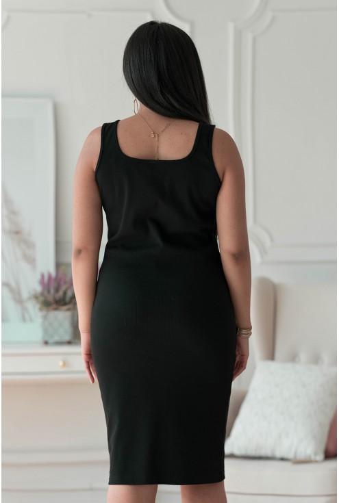 Czarna sukienka z prążkiem plus size