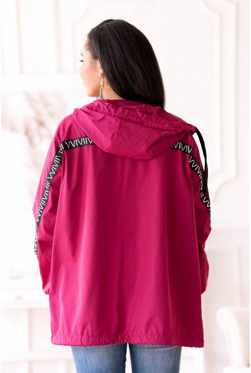 tył różowej kurtki plus size