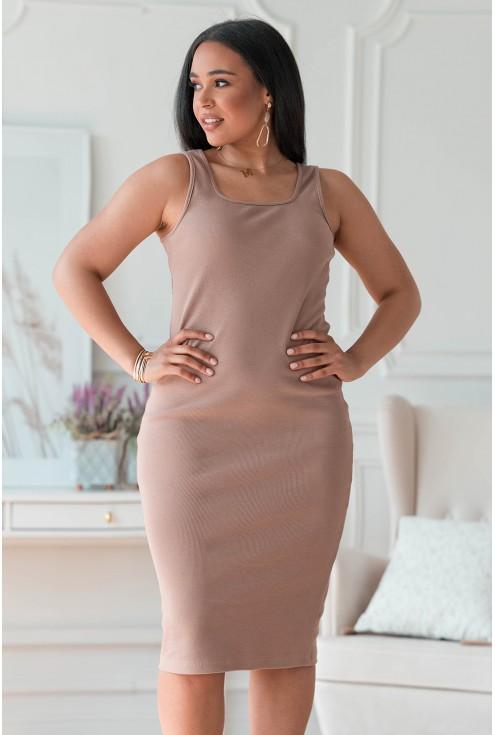 Beżowa sukienka z prążkiem plus size
