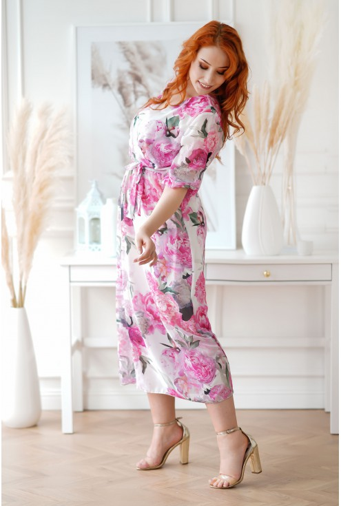 Kremowa sukienka maxi plus size
