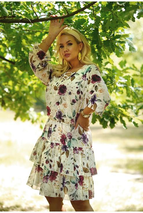 kremowa sukienka plus size z falbanami