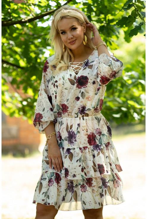Kremowa sukienka w bordowo-fioletowe kwiaty