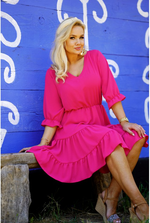 Różowa sukienka plus size