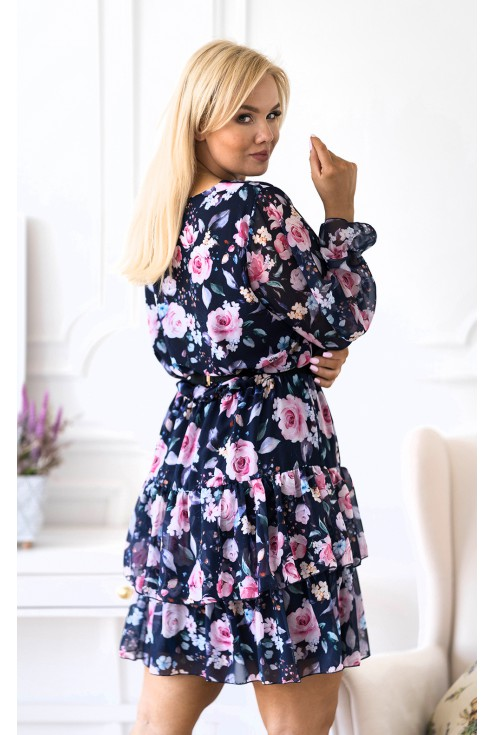 sukienka w kwiatowy wzór z falbanami