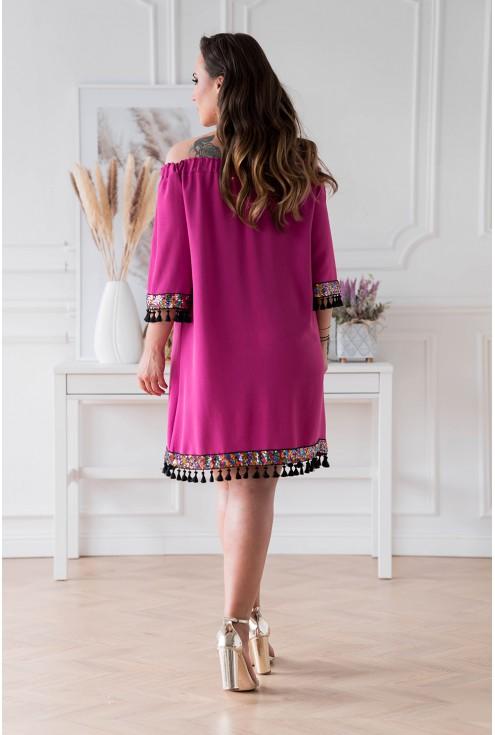 Amarantowa sukienka hiszpanka z ozdobnymi taśmami plus size w XL-ka.pl