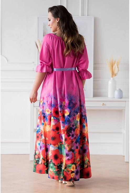 Tył różowej sukienki maxi z kwiatowym dołem - PANDORA
