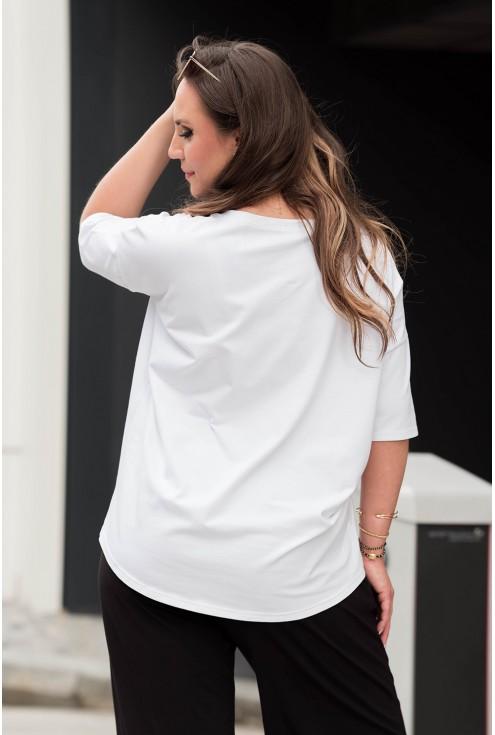tył białego t-shirta