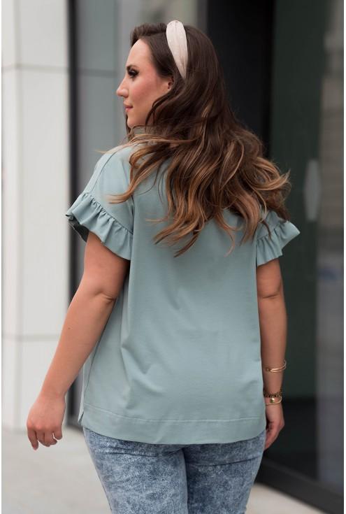 Tył wygodnej niebieskiej bluzki w dużych rozmiarach dla kobiet xxl