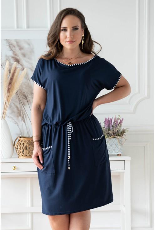 Granatowa sukienka plus size z kieszeniami plus size