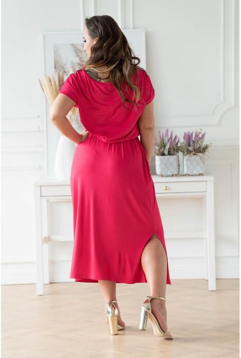 Tył fuksjowej sukienki w dużych rozmiarach dla kobiet w XL-ka.pl