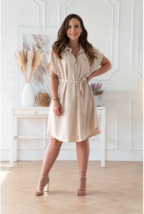 Beżowa sukienka z guzikami i wiązaniem w pasie plus size dla kobiet