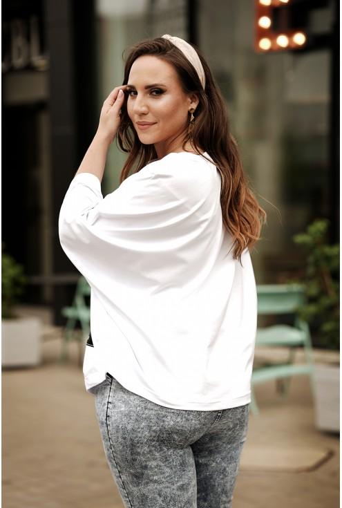 Biała bluzka kimono z ozdobną naszywką - xxl