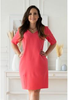 malinowa sukienka z kieszeniami