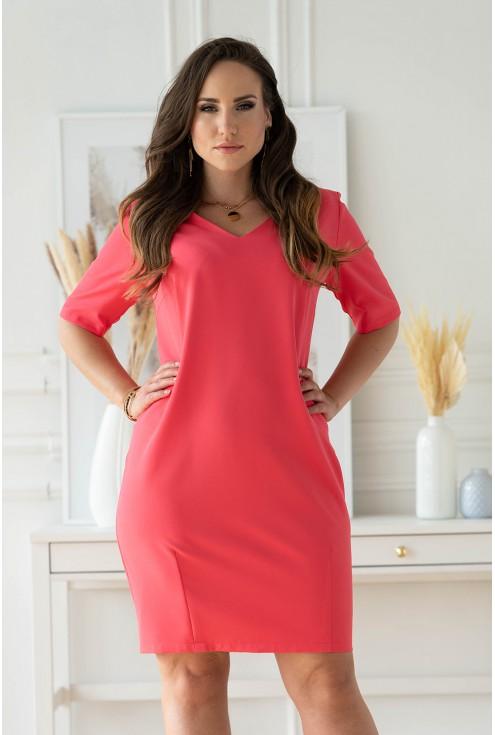 malinowa sukienka z krótkim rękawem