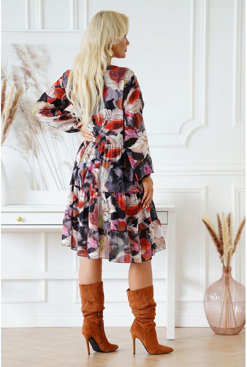 sukienka z wiązaniem na dekolcie
