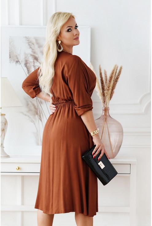 brązowa sukienka w dużych rozmiarach