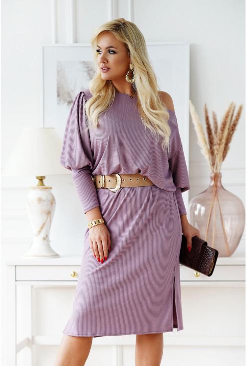 Liliowa sukienka z długim rękawem