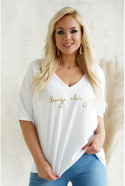 Biały t-shirt plus size ze złotym napisem