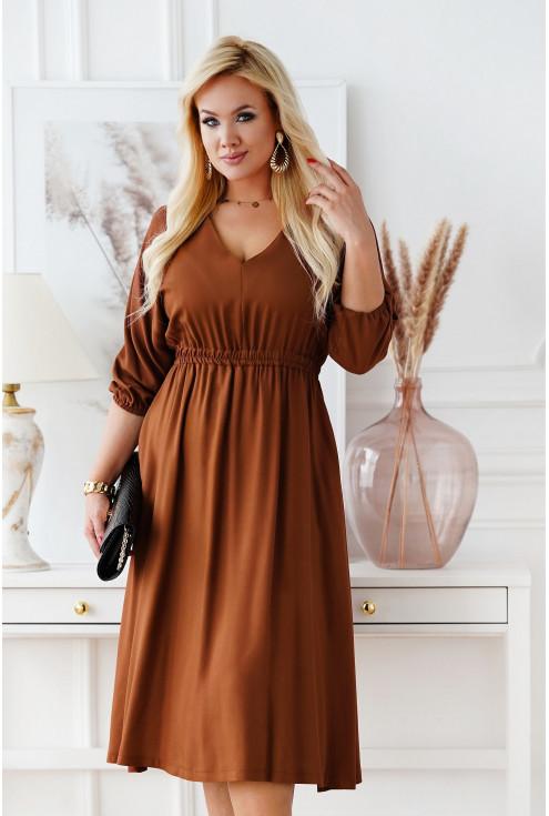 Karmelowa sukienka z dekoltem V