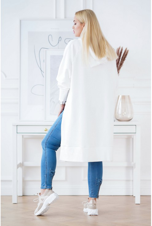 biała długa bluza plus size