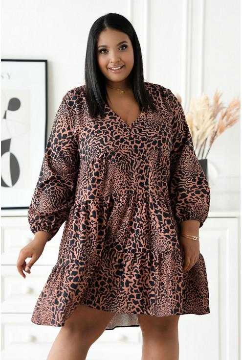 Czarna rozkloszowana sukienka plus size