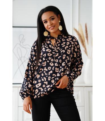 Czarna wizytowa bluzka plus size w beżowe cętki z wiązaniem przy dekolcie - Marvi