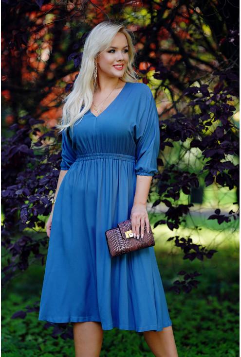 Sukienka w kolorze jeansowym