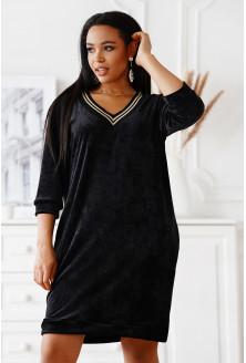 Czarna welurowa sukienka plus size