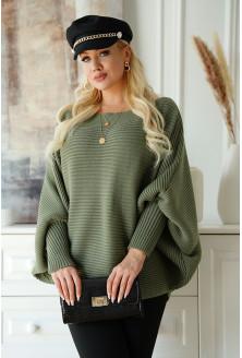Oliwkowy sweterek z poziomym splotem