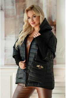 Czarna pikowana kurtka z naszywką