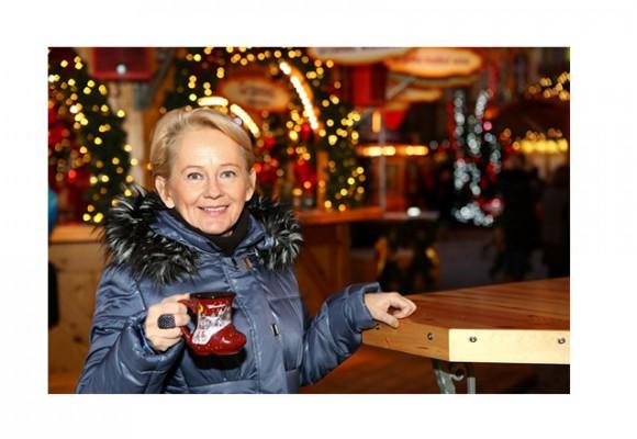 Blogerka i stylistka Pani Krystyna Bałakier w pikowanym płaszczu XL-ki
